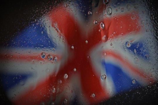 Englische Fahne im Regen