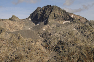 Hoch über dem Splügenpass; Inner Schwarzhorn, dahinter Surettahorn