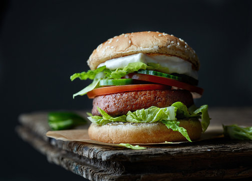 fresh tasty meat free burger
