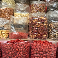 Printed kitchen splashbacks Spices Dried Fruit Displayed At Market Stall