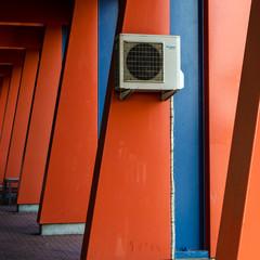 Poster Havana Air Conditioner Mounted On Orange Column