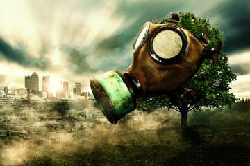 Baum mit Gasmaske, Hintergrund mit Stadt im Smog, Klimaerwärmung durch Luftverschmutzung
