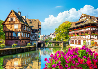 Photo sur Toile Con. Antique Houses in Strasbourg