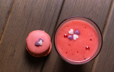 strawberry milkshake with side dishes