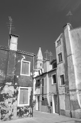 Fototapete - Old residential house on Burano island, Venice, Italy.