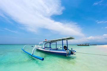 Aluminium Prints Indonesia Traditionelles Fischerboot auf Bali, Indonesien