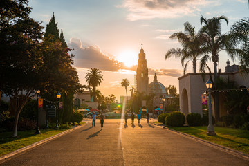 Fotomurales - Magical San Diego's Balboa Park at twilight in San Diego California USA
