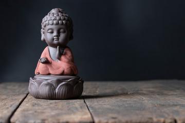 buddha image sit on lotus blessing prayer