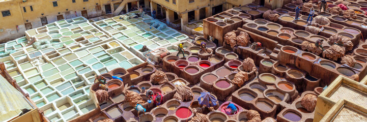 Fotorolgordijn Marokko Aerial view of the colorful leather tanneries of Fez, Morocco