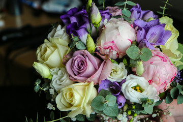 A detail picture of the wedding flowers bouquet.