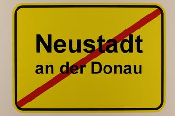 Illustration des Ortsausgangsschilds von Neustadt an der Donau in Bayern
