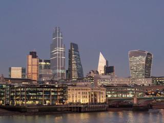 europe, UK, England, London, City 22 Bishopsgate Southwark bridge dusk