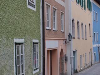 Altstadt - Bunte Bürgerhäuser im urbanen Raum