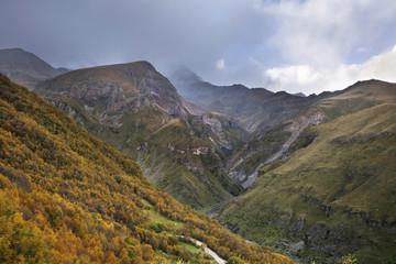 Foto auf Gartenposter Gebirge Mountains near Gergeti. Georgia