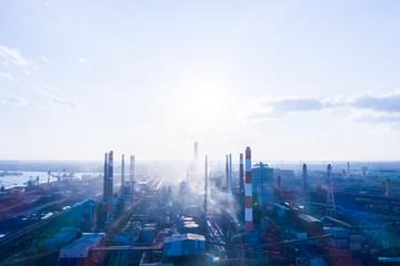 晴れた日の工業地帯 空撮