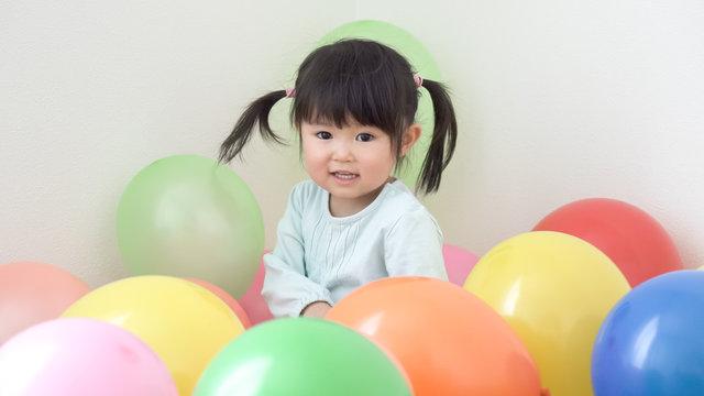 子供 遊ぶ 風船