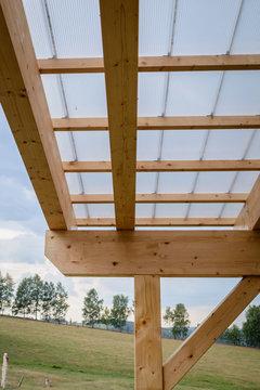Holz Balken und Dach Konstruktion