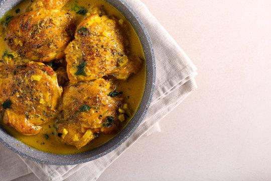 Spicy chicken thighs curry