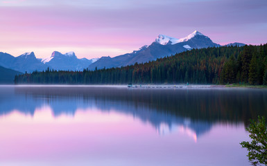 Wall Mural - Maligne lake, Jasper National Park, Alberta, Canada