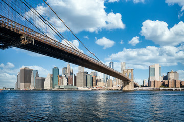 Tuinposter Brooklyn Bridge Brooklyn Bridge in summer
