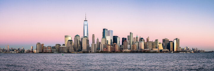 Fotomurales - New York City skyline panorama with One World Trade Center