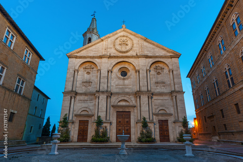 Fototapete Cathedral in historical town Pienza, Tuscany, Italy
