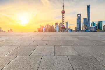 Türaufkleber Shanghai Pavement and cityscape in Shanghai