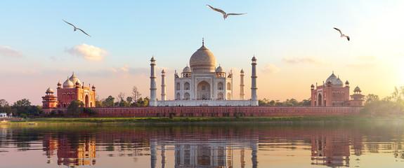 Taj Mahal sunrise panorama, Agra, Uttar Pradesh, India Fotomurales