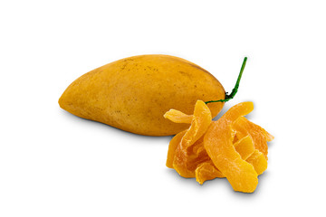 Fototapete - Ripe mango and dehydrated mango, a kind of preserved food on white background with clipping path.