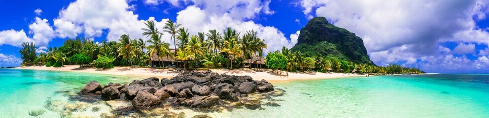 Poster de jardin Ile Perfect tropical getaway - stunning Mauritius island with great beaches and turquoise sea, Le Morne
