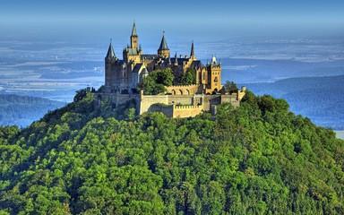 Photo sur Aluminium Con. Antique castle on the hill