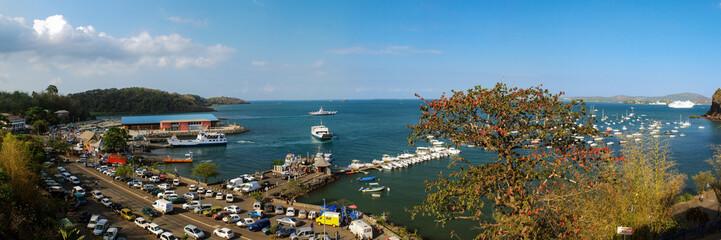 Foto auf AluDibond Blau türkis Panorama du port de la grande île de Mayotte