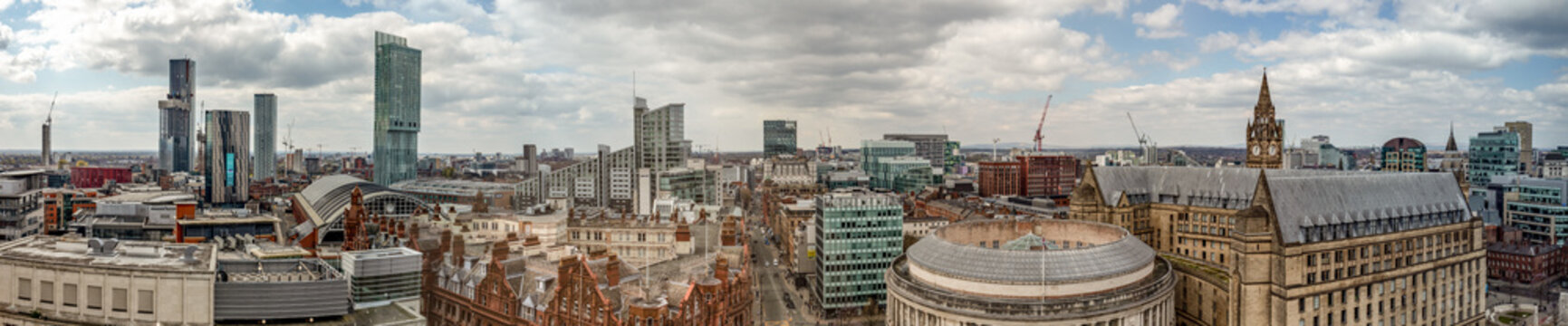panoramic view of Manchester skyline