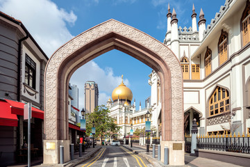 Fotobehang Oude gebouw street view of singapore with Masjid Sultan