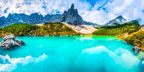 Türaufkleber Turkis Famous turquoise lake Sorapis with high mountains at sunset, Dolomites, Italy, Europe