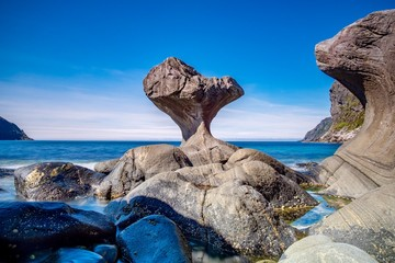 Kannesteinen, Måløy, Norway