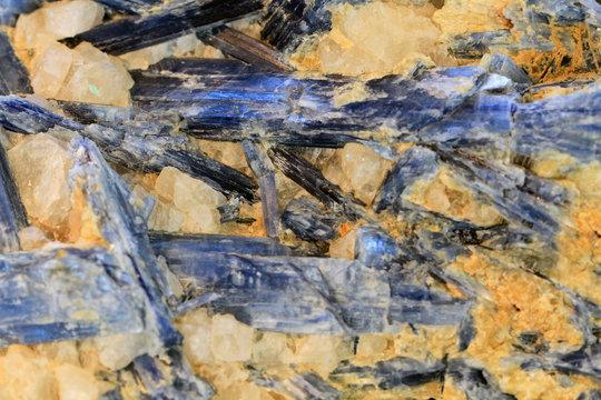 cyanite mineral texture