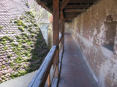 Begehbarer Wehrgang Stadtmauer Nördlingen