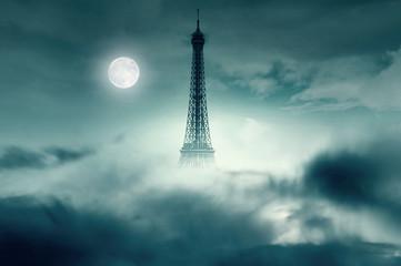 Nacht met maan en Eiffeltoren in Parijs