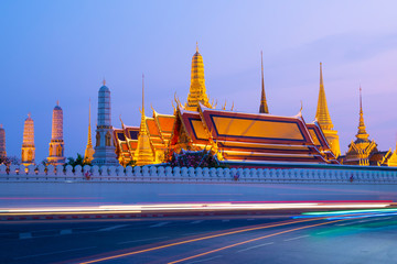 Wall Mural - Most famous place for tourist. This is Wat Phra Keaw in Bangkok, Thailand during sunset.