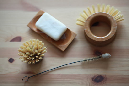 Solid soap and compostable dish brush in a zero waste household
