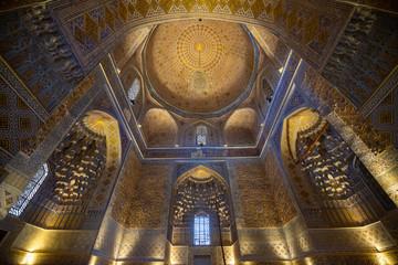 Interior of Gur Emir mausoleum of the asian famous historical personality Tamerlane or Amir Timur in Samarkand, Uzbekistan Fotomurales