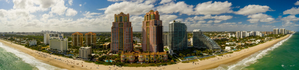 Wall Mural - Aerial panorama Fort Lauderdale Beach Galt Ocean Mile condominiums