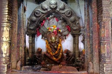 Papiers peints Imagination Hindu shrine with sculpture of Hindu god on street in Bhaktapur city