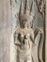 Devata extérieur de la terrasse d'honneur de Angkor Wat