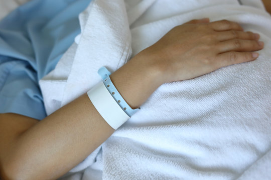 wristband id blank name tags on arm patient