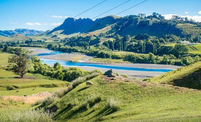 Deurstickers Pistache Beautiful landscape of Te Mata Peak and Tukituki river in Hawke's bay region of New Zealand. Te Mata Park and its famous Peak, one of the most loved and visited places in Hawke's Bay.