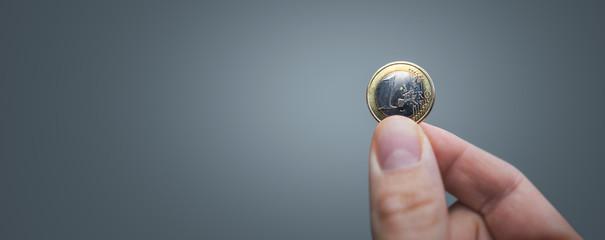 Hand held 1 Euro coin panorama Fototapete