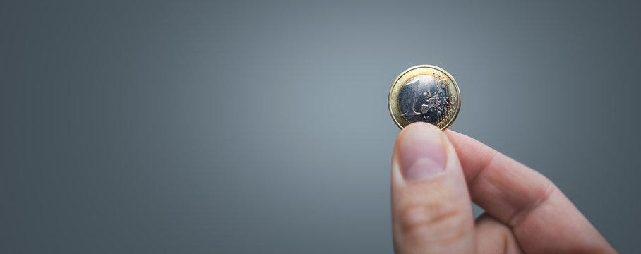 Hand held 1 Euro coin panorama