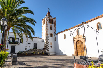 Photo sur Toile Iles Canaries Old town in Betancuria, Fuerteventura, Canary Islands
